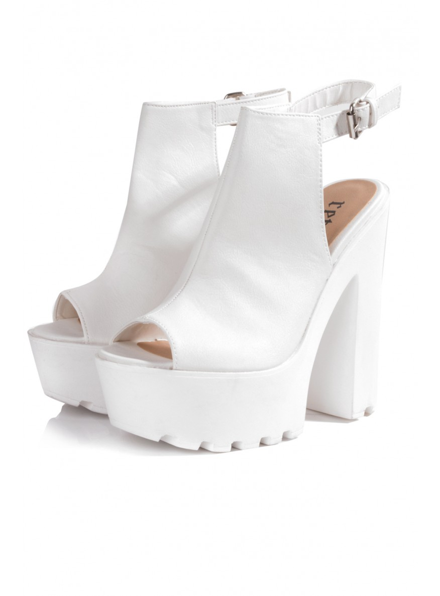 All White Platform Heels my0zomCa