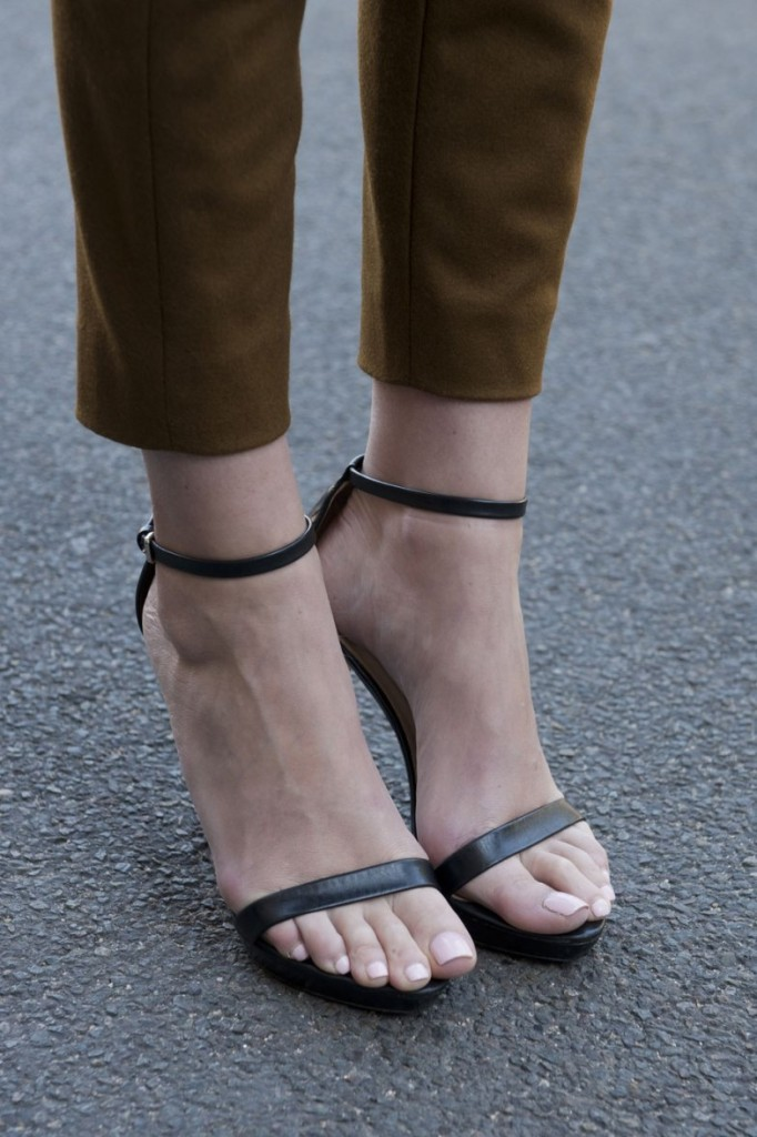 Ankle Strap Heels For Wide Feet oON79ee7