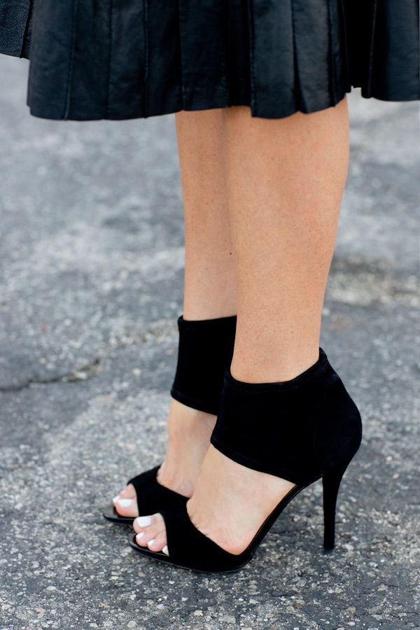 Black Heels With Thick Ankle Strap 3HhKgBcH