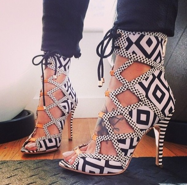 Lace Up Cut Out Heels Ymux3O8E