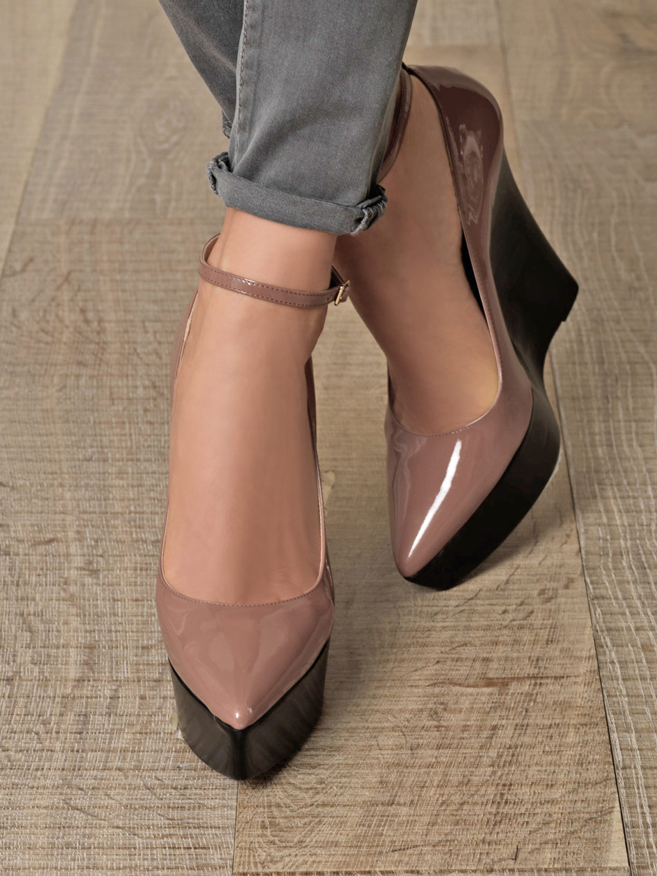 Leather Wedge Heels E0wuPUEZ
