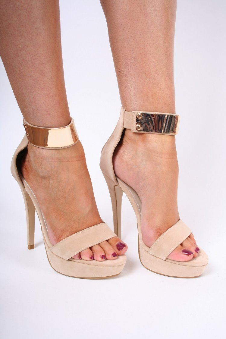 Nude And Gold Heels hdkOGGIt