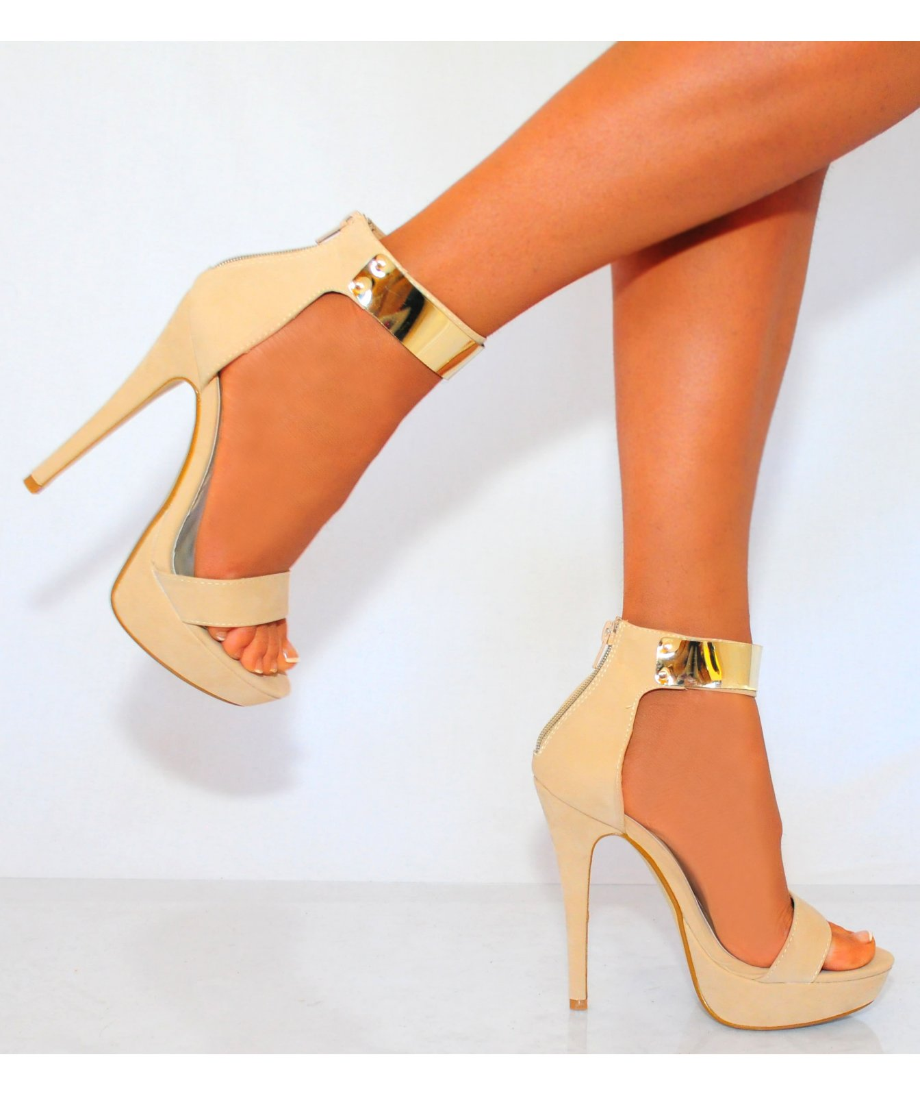 Nude And Gold Heels 0rPgtE6o