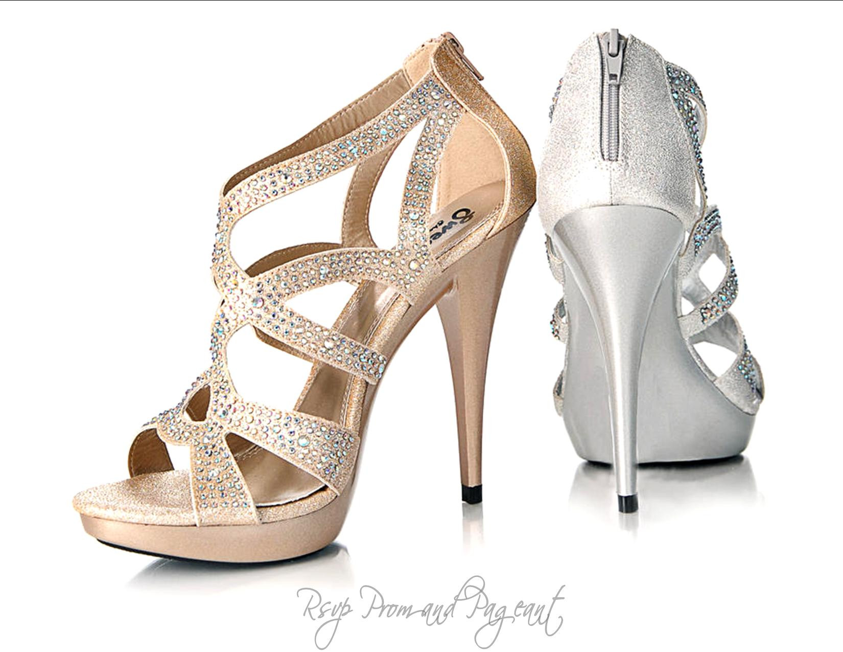 Nude And Silver Heels y6pfs9Yt