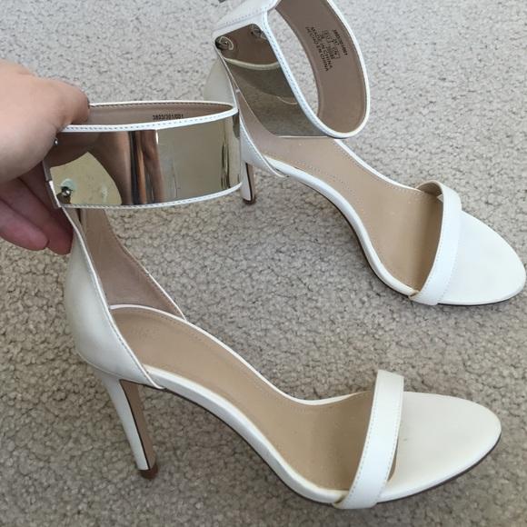 Silver And White Heels djnOoE1B