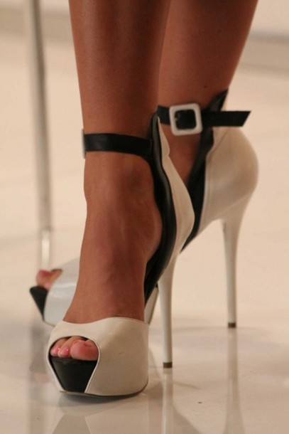 White And Black Heels With Ankle Strap UIo8XASb