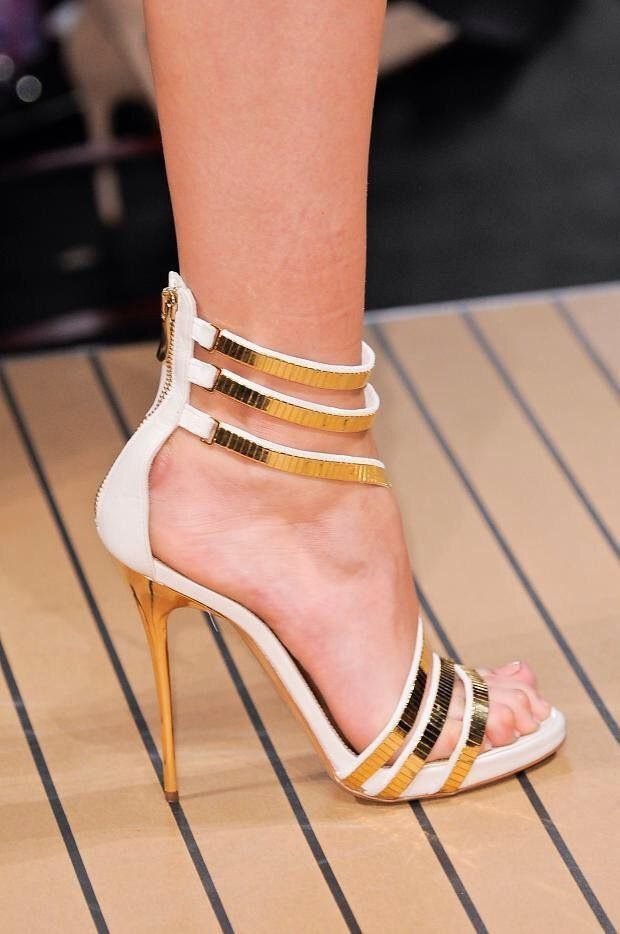 White And Gold Heels 0EKbrdfT