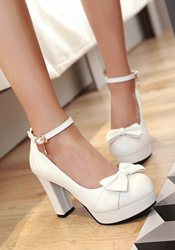 White Heels With Bow QP2CsHcZ