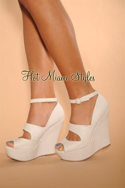 White Wedge Heels With Ankle Strap LgfBi1x2