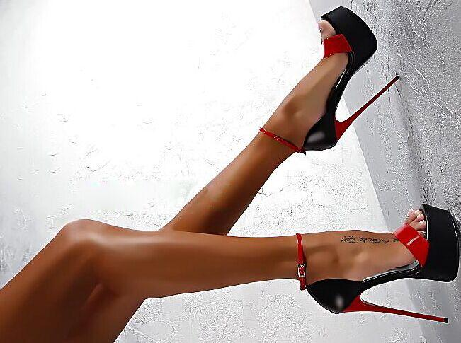 Women In Sexy High Heels LddhftcS